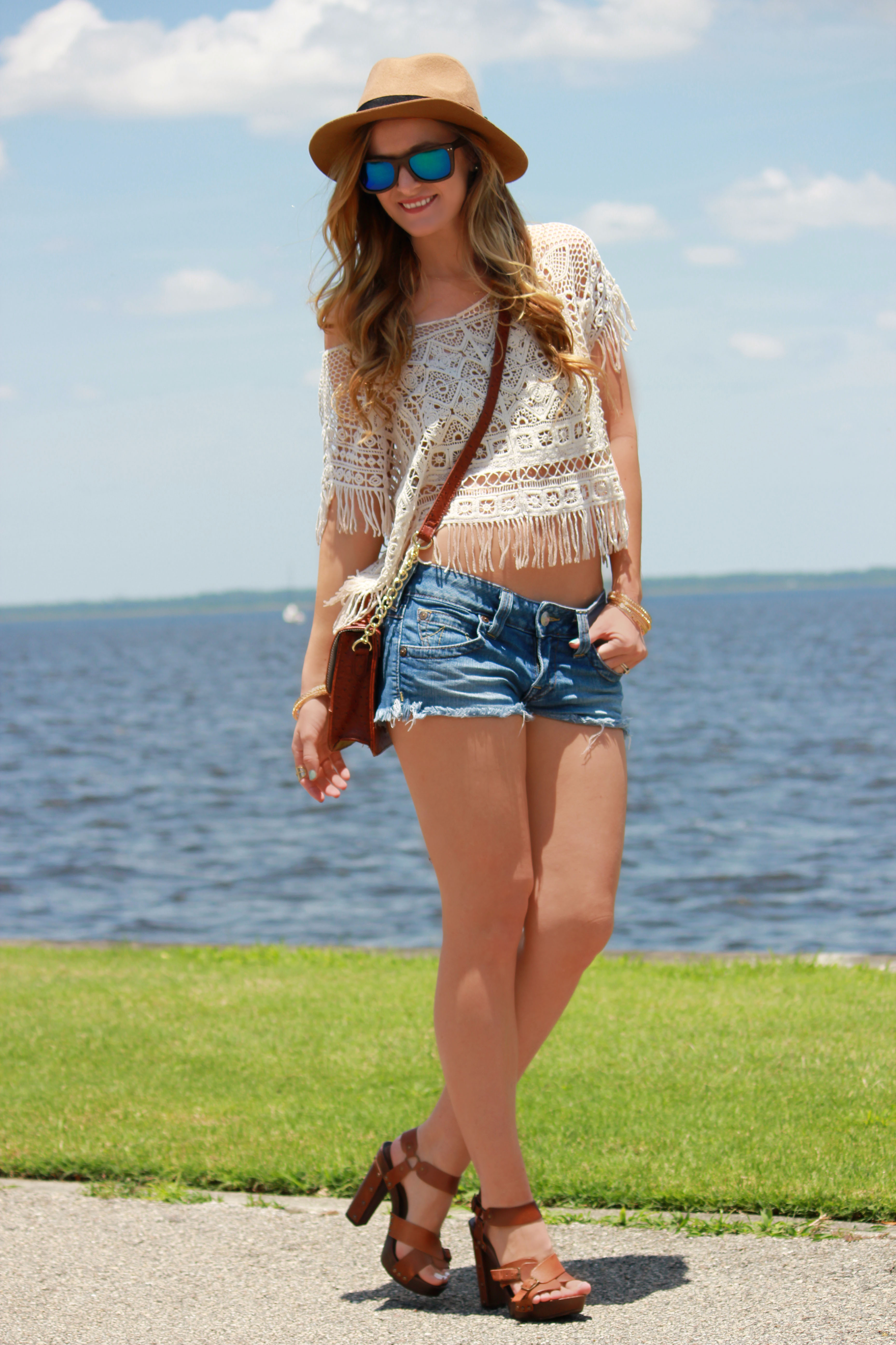 sophie and trey top, true religion shorts, hammock and palms sunglasses, block heels, beach outfit