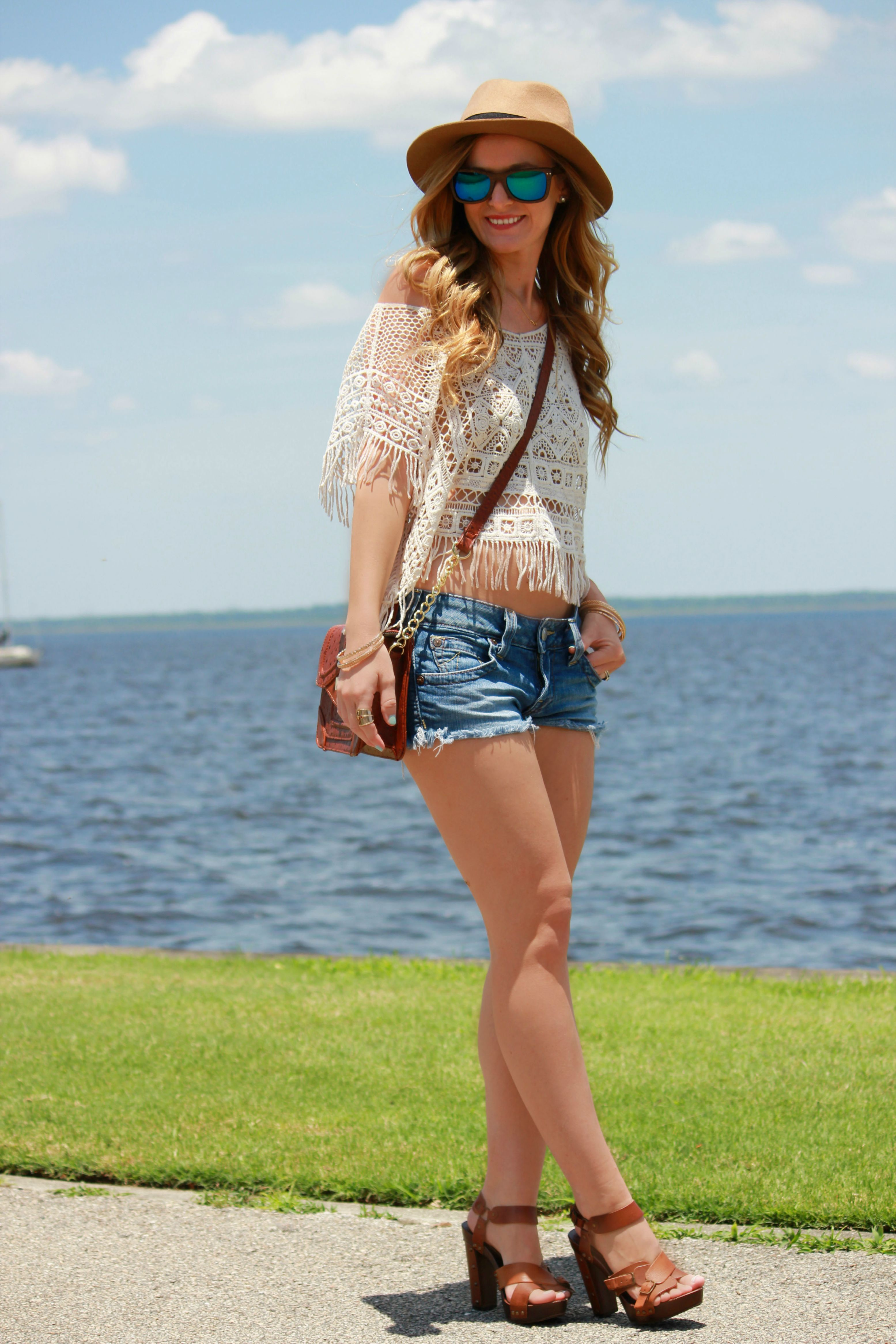 sophie and trey top, true religion shorts, hammock and palms sunglasses, block heels, beach outfit, fringe top