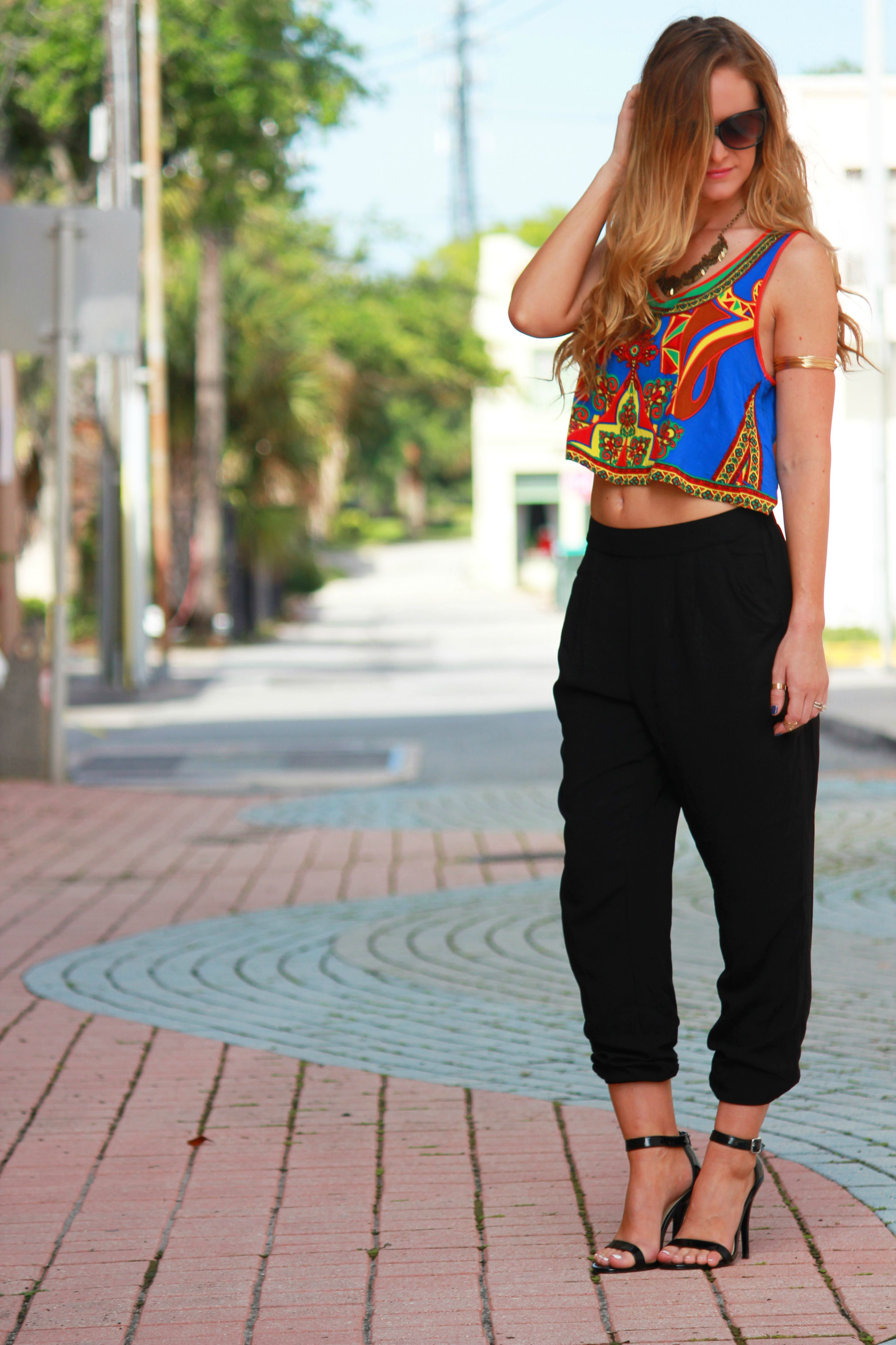 Sophie and trey top, forever 21 pants, forever 21 jogger pants, black jogger pants, harlem black pants, summer outfit, edgy outfit, steve madden heels