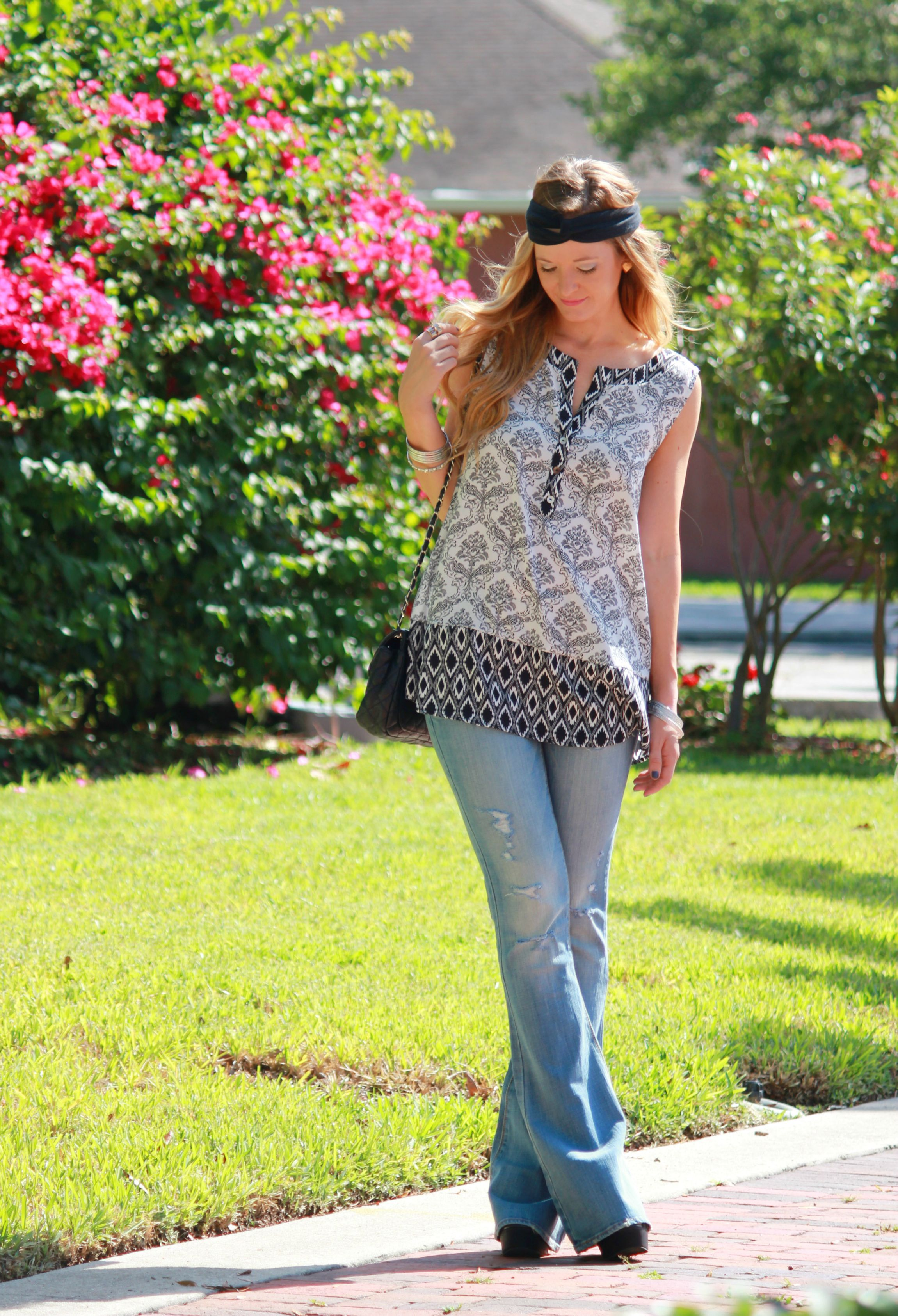 white plum top, damask top, baroque top, american eagle jeans, flared jeans, quilted bag, summer outfit, casual summer outfit