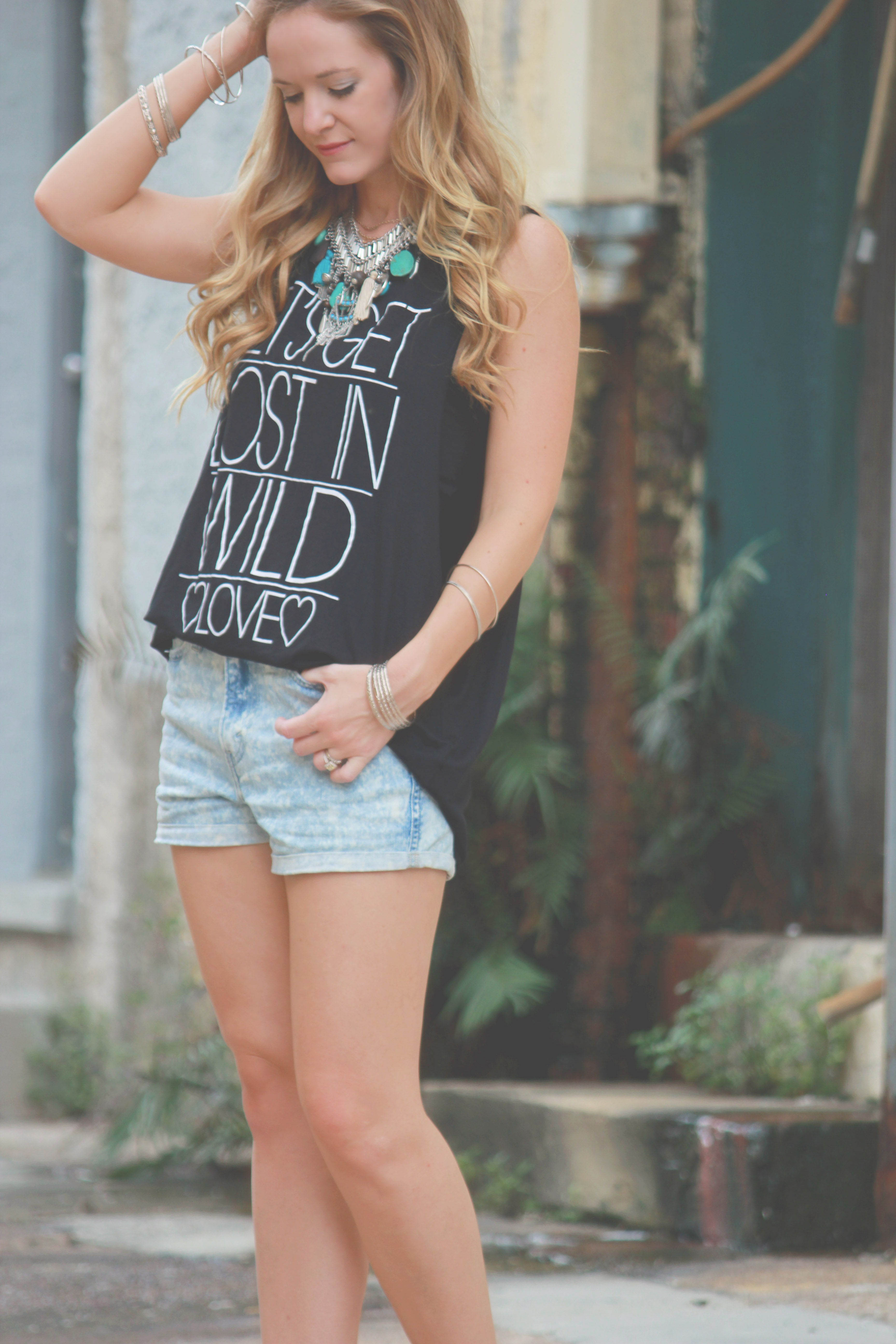 vinnie louise top, tjmaxx shorts, acid wash shorts, express necklace, boho outfit, edgy outfit, summer outfit