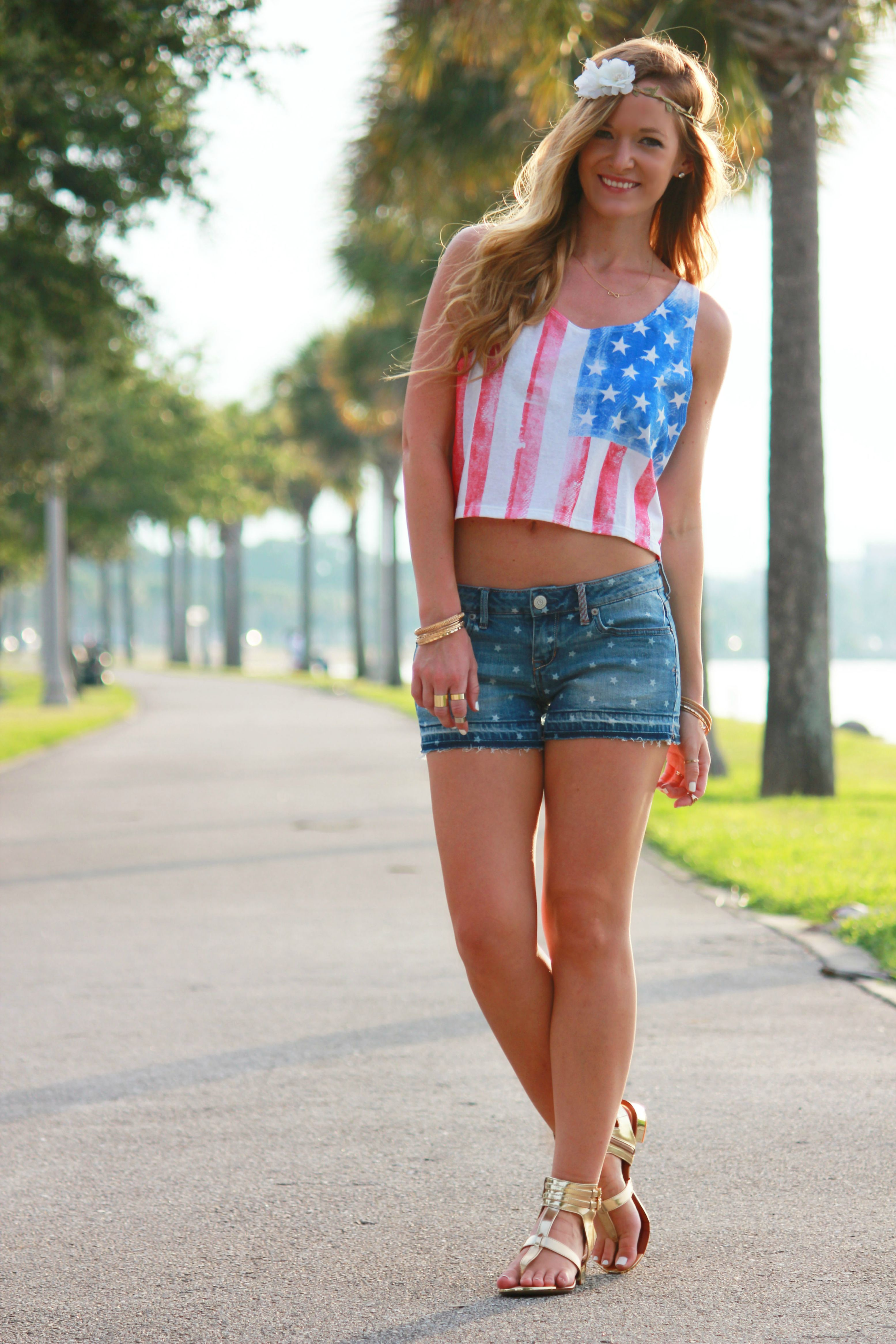 4th of july outfit, aeropostale top, aeropostalr shorts, gianni bini sandals, flower crown, summer outfit