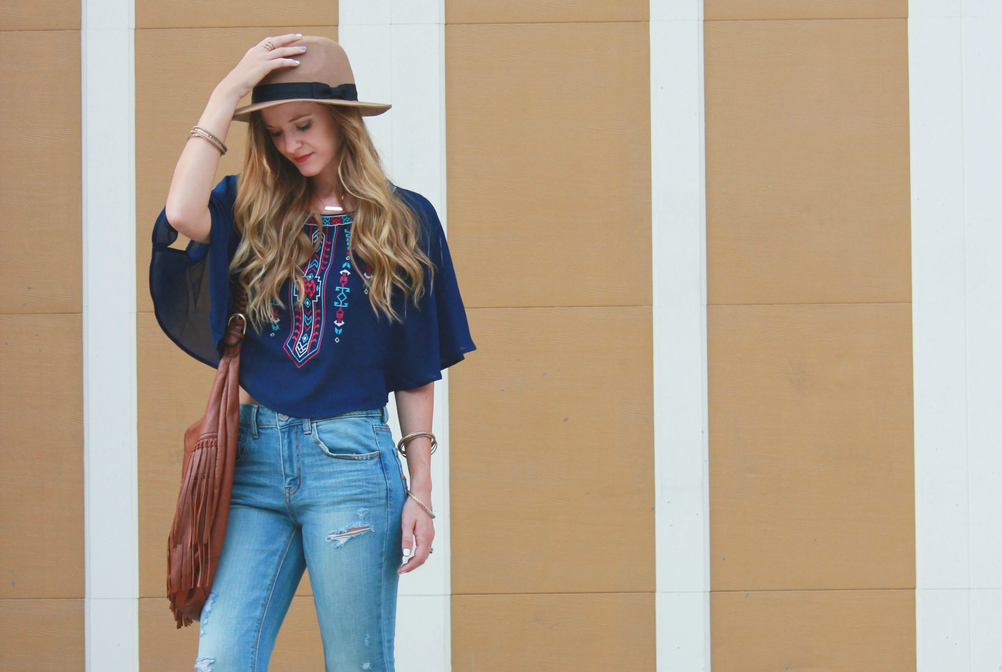 bleue boutique crop top, american eagle jeans, flared jeans, fringe bag, layered and long necklaces, boho chic, boho outfit, 70s outfit, 70s inspired