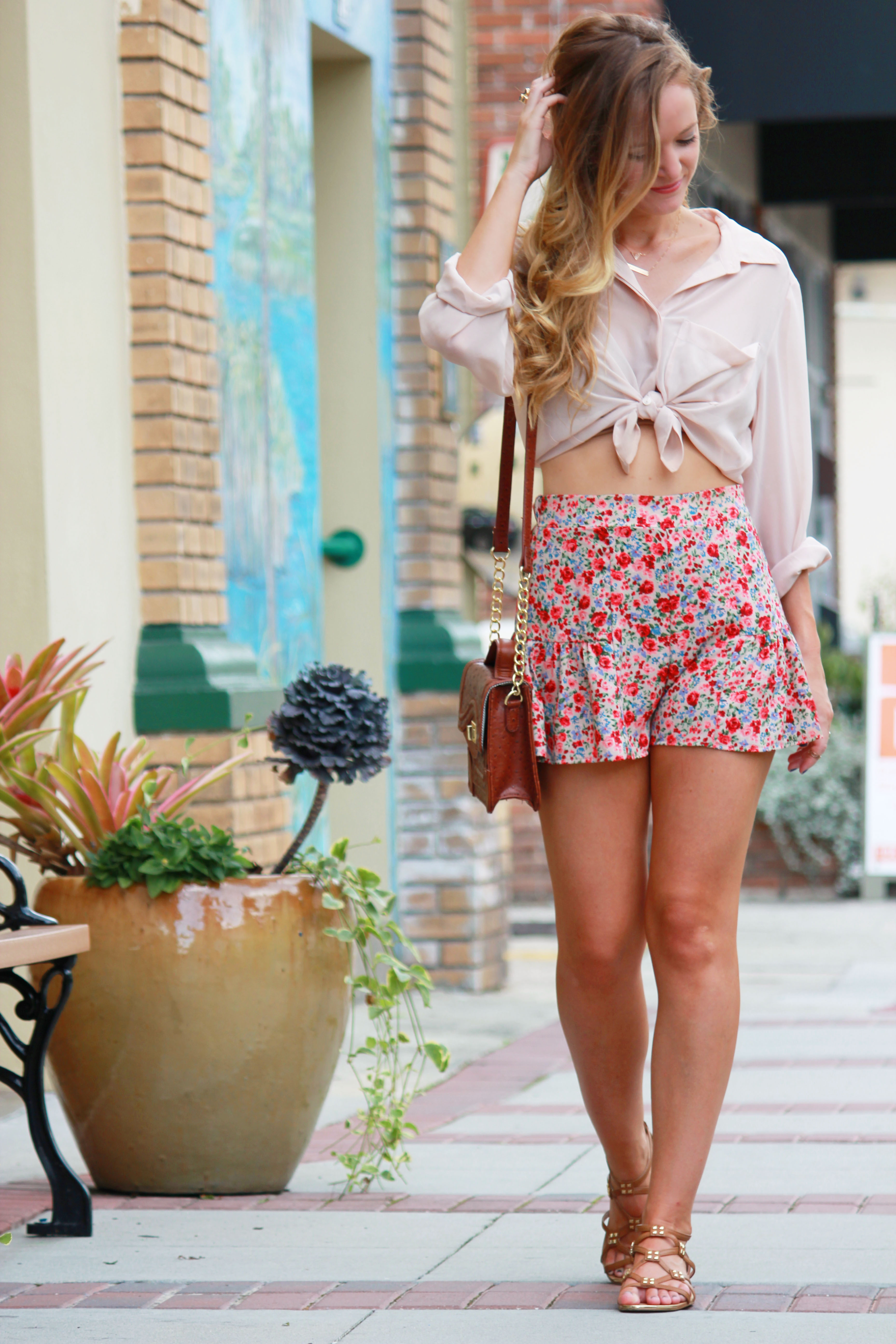 casual summer outfit, blush boutique shorts, tjmaxx crossbody, tjmaxx sandals, isola sandals, layered necklace, warm weather outfit