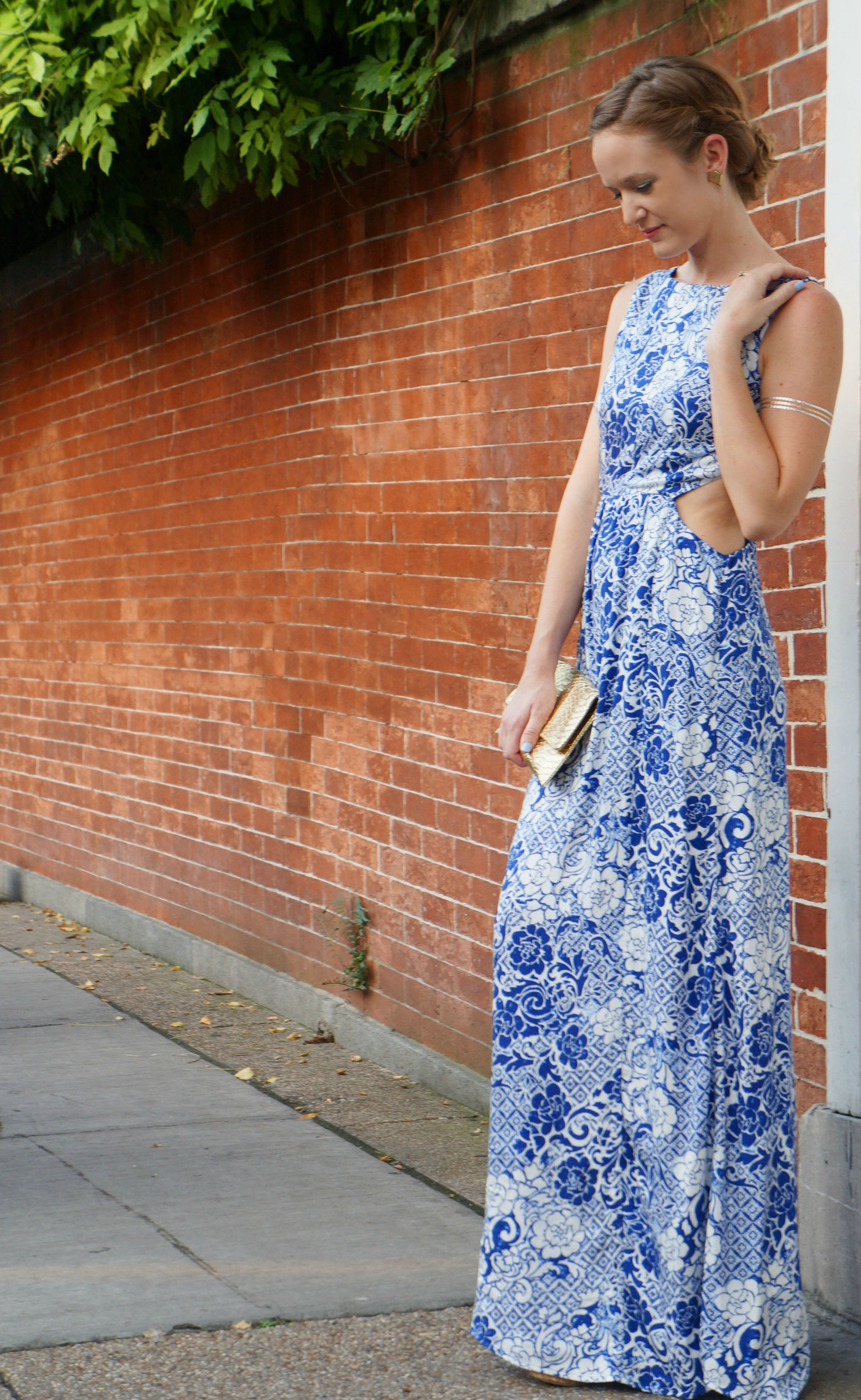 forever 21 maxi, forever 21 dress, flash tattoos, date night outfit, gold clutch, up do ideas,