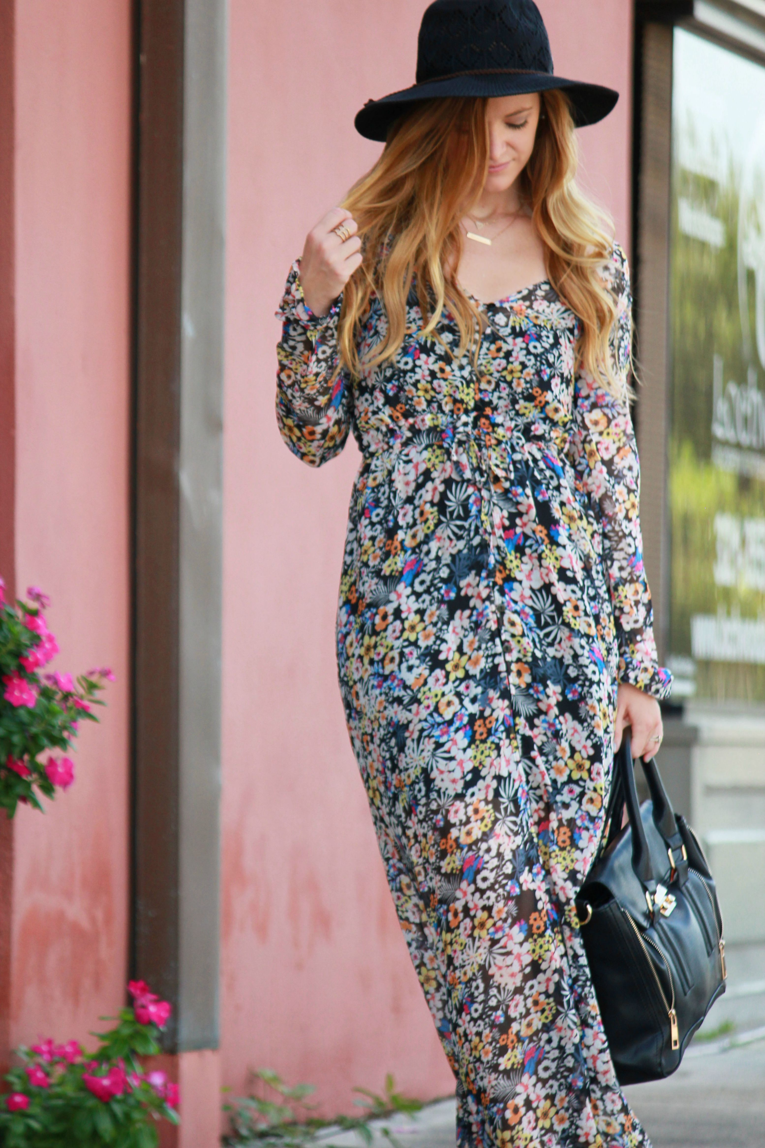 styling an oasap floral maxi with a black free people hat, tjmaxx sandals, and layered and long necklaces for a fall transition outfit.