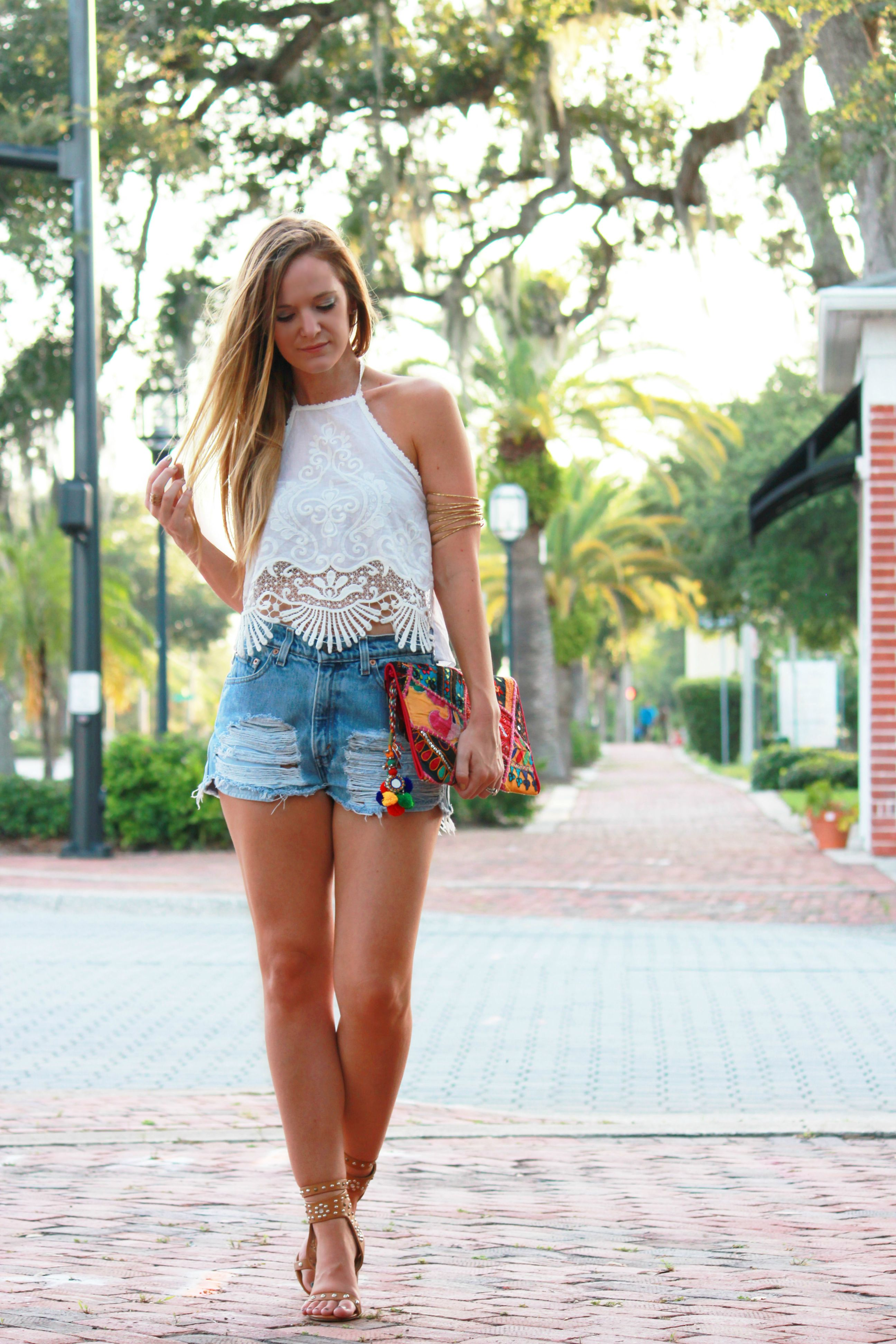 windsor top, windsor crop top, lace crop top, urban outfitters levis, urban outfitters shorts, charlotte russe sandals, isabel marant sandals, boho chic outfit, gypsy outfit, anik batik clutch, summer outfit, casual outfit