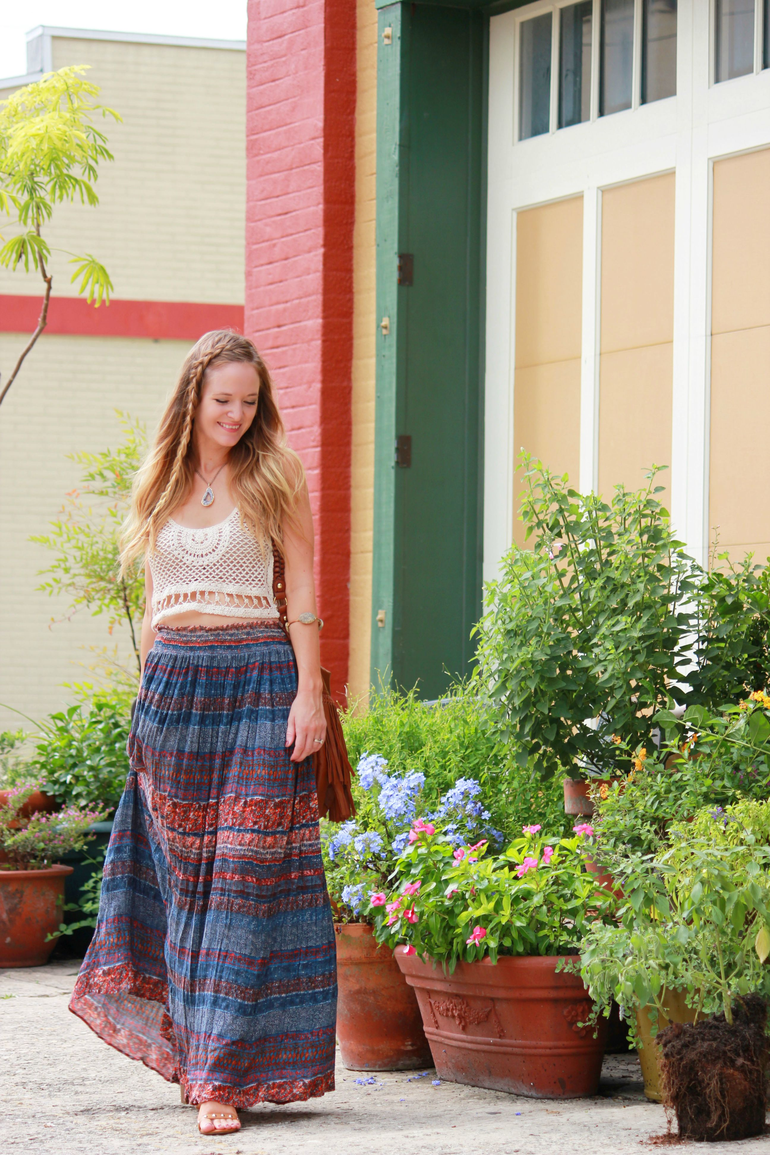 orlando/ florida fashion blog styling windsor crop top, windsor maxi skirt, h&m fringe bag for bohemian casual outfit