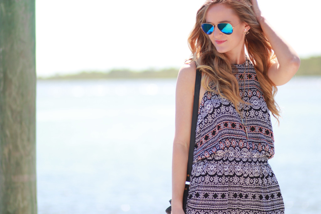 tribal print jumpsuit and ray ban aviators