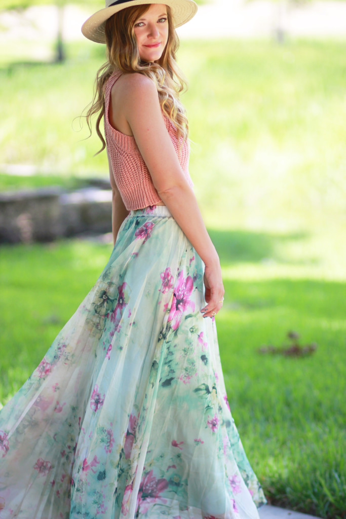 Chicwish floral skirt, Aerie fedora and Rocksbox necklace