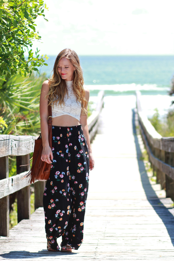 abercrombie floral palazzo pants and hollister lace crop top