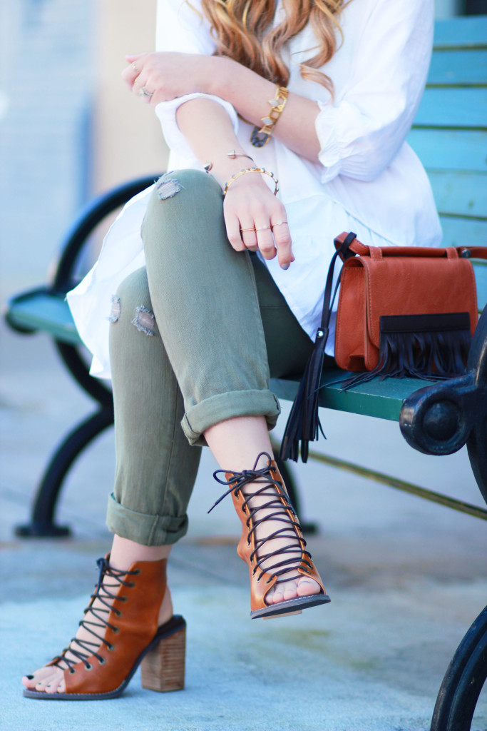 Gap olive boyfriend jeans, Chicwish flowy top, lace up tan booties, casual spring outfit