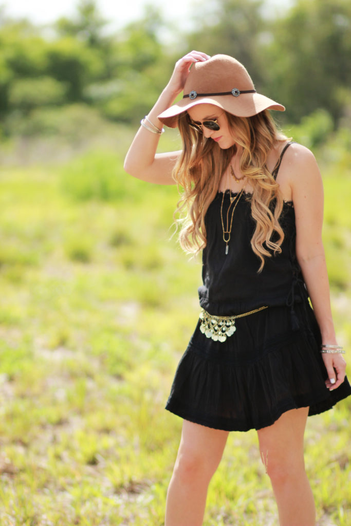 Orlando Florida fashion blog styles Aerie dress and bralette with American Eagle gladiator sandals and Ray Ban found sunglasses for a festival outfit