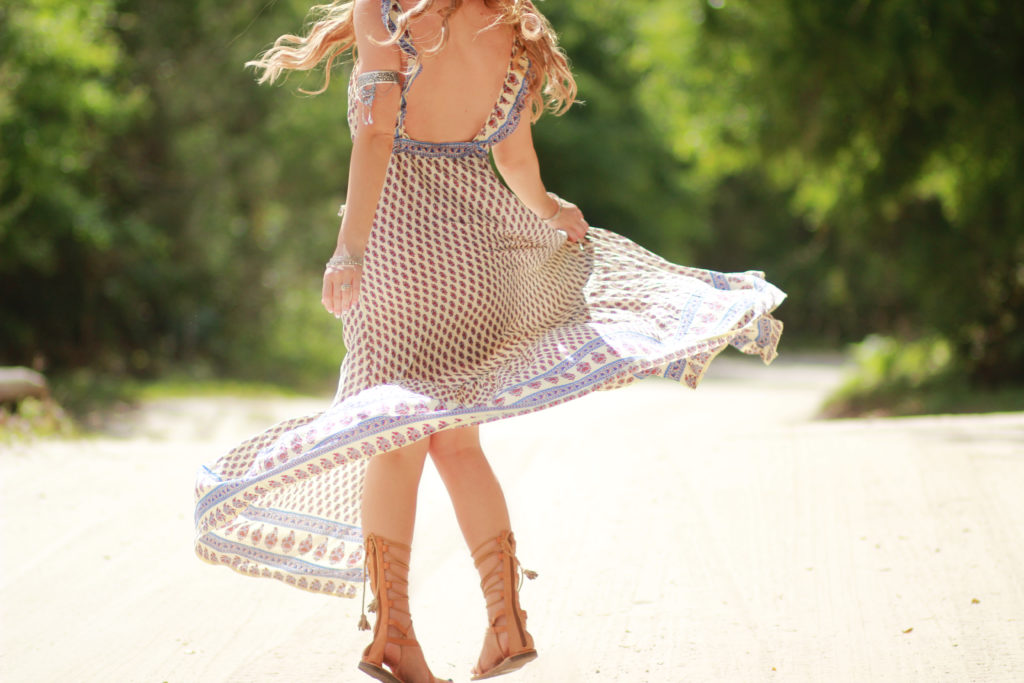 Orlando Florida fashion blog styles American Threads backless maxi dress with American Eagle gladiator sandals and round Ray Bans for casual boho outfit