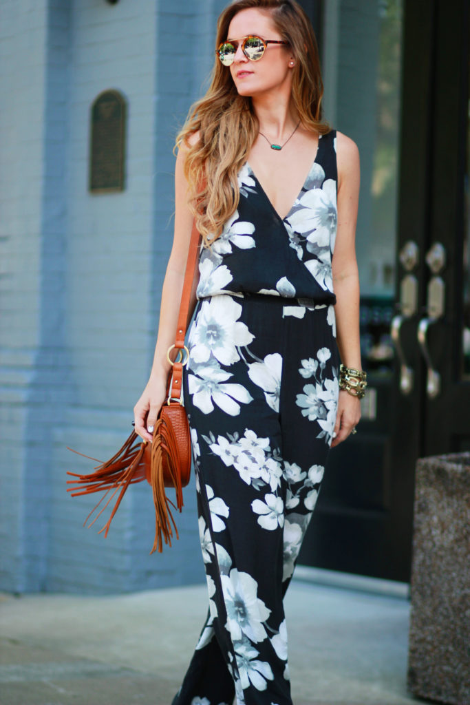 Orlando Florida fashion blog styles Aeropostale floral jumpsuit, Kendra Scott Summer collection, Illesteva mirrored sunglasses for a casual spring outfit