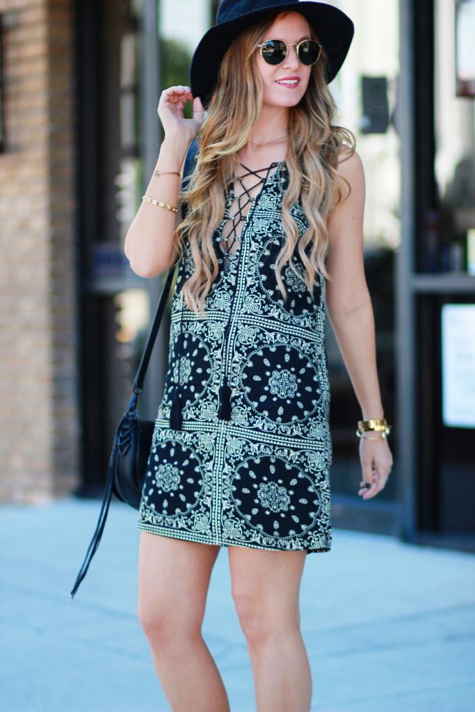 Orlando Florida Fashion blog styles Tobi lace up dress with Sole Society fringe sandals, round Ray Ban sunglasses, and Rebecca Minkoff sadle bag