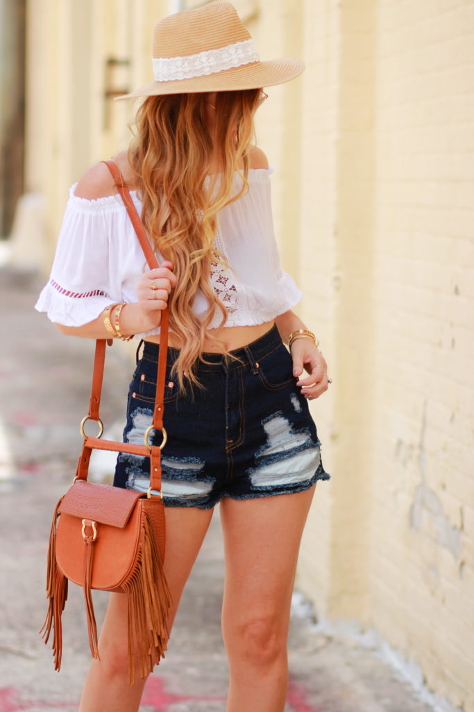 Orlando Florida fashion blog styles H&M boho crop top with high waisted jean shorts, Bussola Greek sandals and Sancia bag for a casual summer outfit