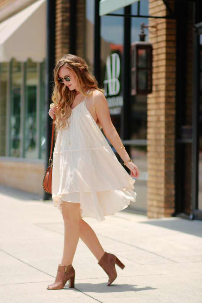 Orlando Florida fashion blog styles Chicwish bohemian flowy dress with open toe booties, Ray Ban sunglasses, and Chloe Hudson dupe for a summer outfit