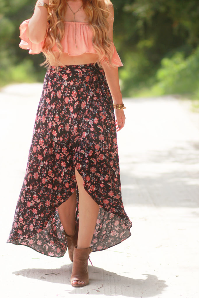 Orlando Florida fashion blog styles Forever 21 ruffle crop top and floral wrap maxi skirt with round Ray Ban sunglasses and brown peep toe booties