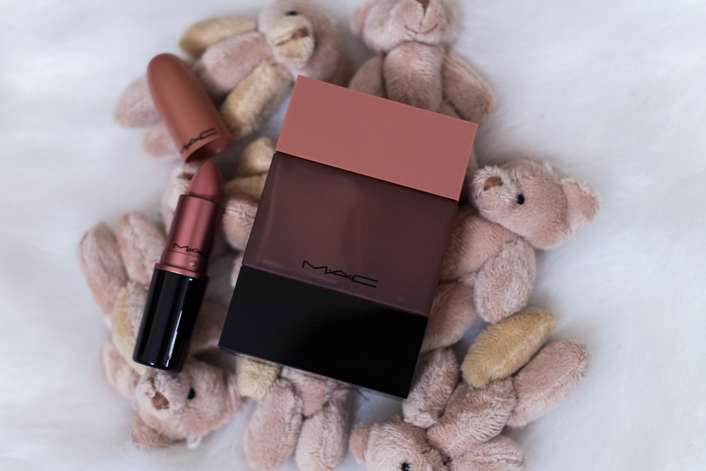 Shannon Jenkins of Upbeat Soles does a MAC Shadescents review on Creme D'nude, Velvet Teddy, Lady Danger, Ruby Woo, Candy Yum Yum, and My Heroine