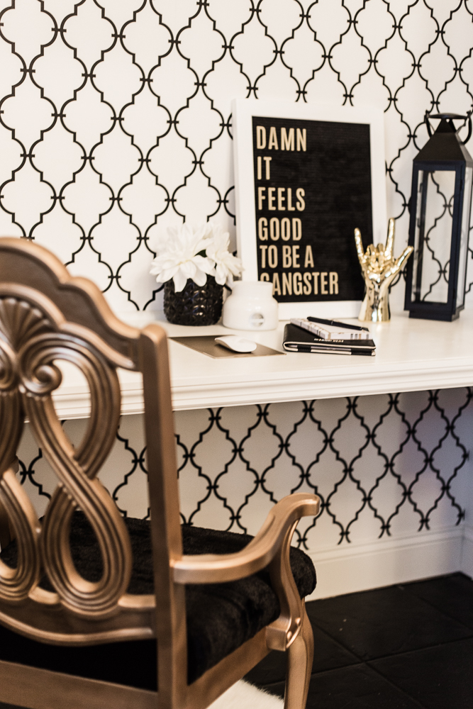 Shannon Jenkins of Upbeat Soles does a closet office reveal and shows how you can convert a spare bedroom into a closet with an Ikea Billy Bookcase hack