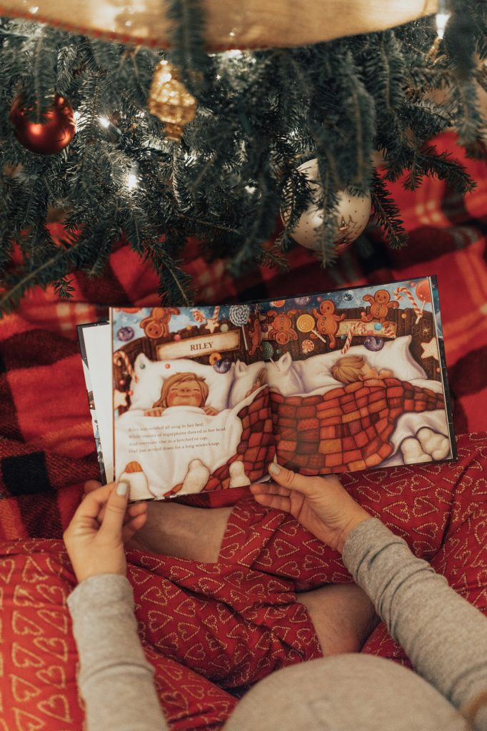 Shannon Jenkins of Upbeat Soles does a Shutterfly Christmas Card Review and shows how easy they are to order and how to customize your cards and gifts