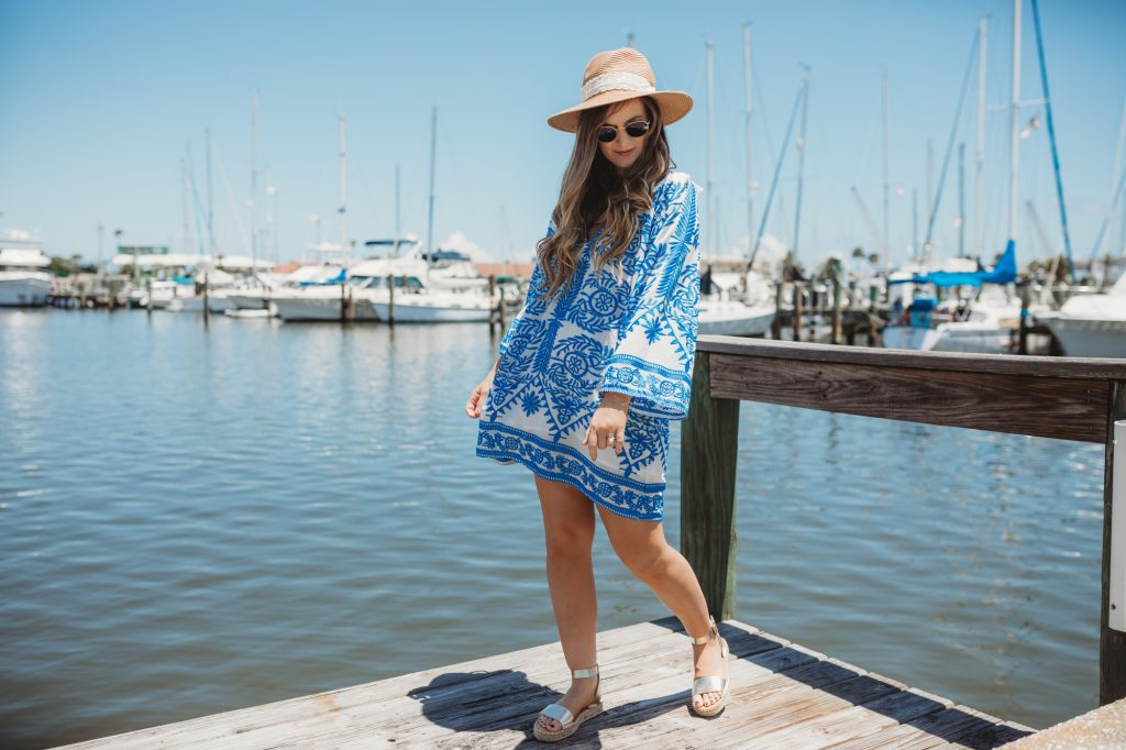 Shannon Jenkins of Upbeat Soles styles a boho summer outfit with Chicwish blue and white boho dress, metallic espadrille sandals, and Ray Ban Icons