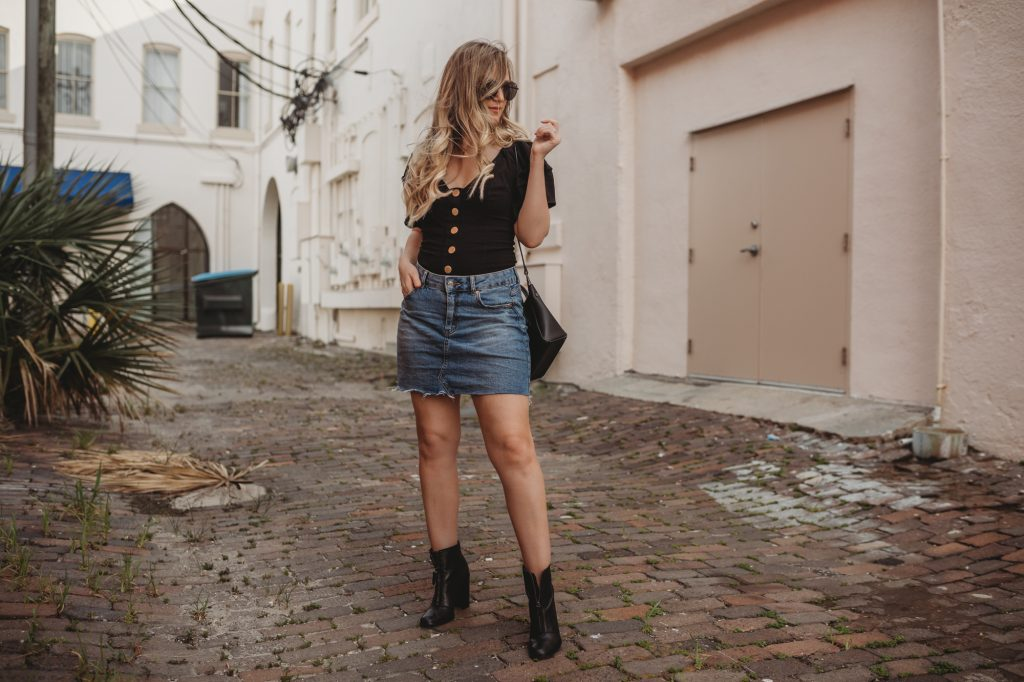 Shannon Jenkins of Upbeat Soles styles a summer date night outfit with Free People button bodysuit, Target mini skirt, and Ray Ban Icon sunglasses