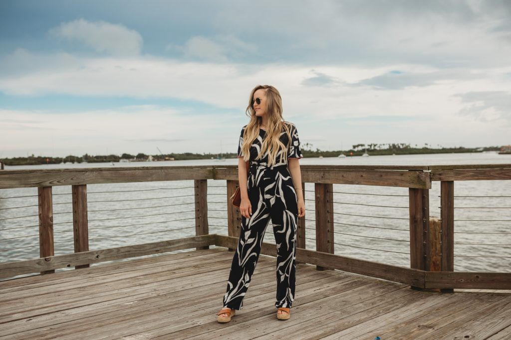 Shannon Jenkins of Upbeat Soles styles a cute summer vacation outfit with a NIC + ZOE jumpsuit from Zappos and Sole Society espadrilles.