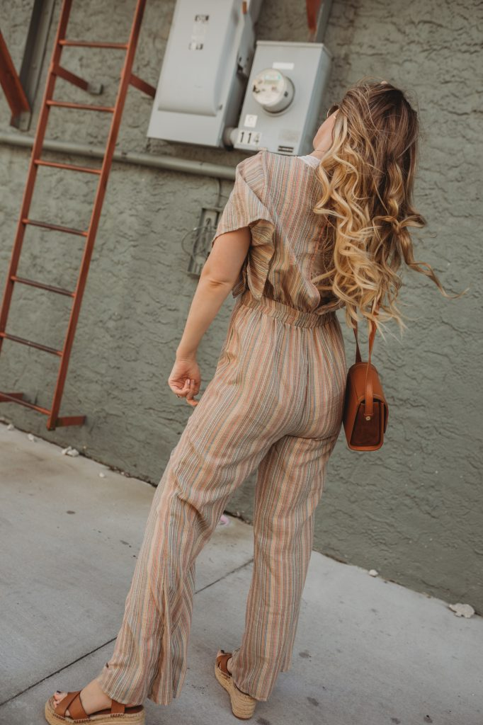 Shannon Jenkins of Upbeat Soles shows how to style a jumpsuit with Sole Society espadrille flatform sandals, and round Ray Ban sunglasses