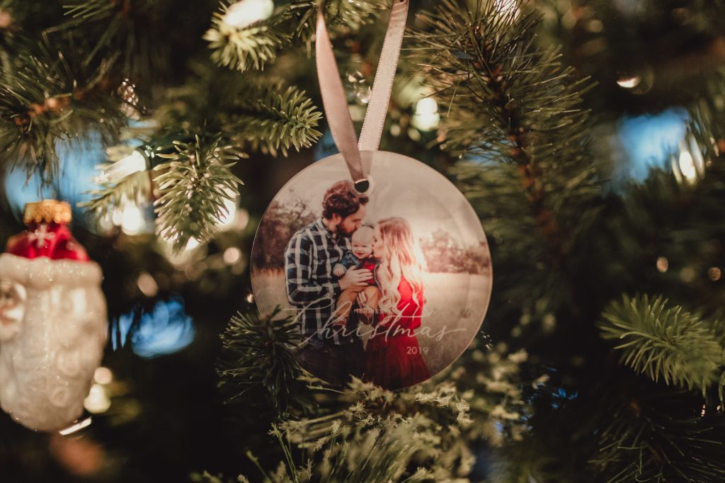 Shannon Jenkins of Upbeat Soles does a Shutterfly Christmas cards and personal gifts review with foil holiday cards, personalized ornaments and book